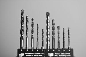 Stahlarbeiten mit der Akku Bohrmaschine